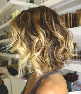 Beach-Waves-hairstyle-0000